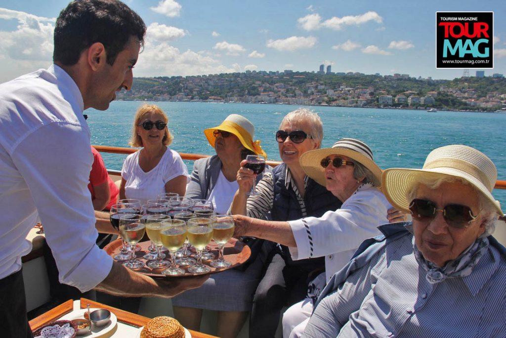 istanbul-bogaz-turu-saffet-emre-tonguc-kalamis-rotary-kulubu-kadikoy-life-dergisi-tourmag-turizm-dergisi (14)