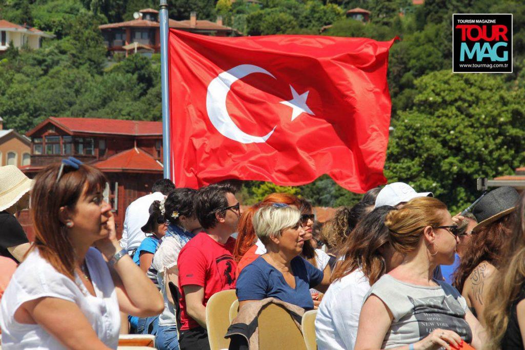 istanbul-bogaz-turu-saffet-emre-tonguc-kalamis-rotary-kulubu-kadikoy-life-dergisi-tourmag-turizm-dergisi (15)
