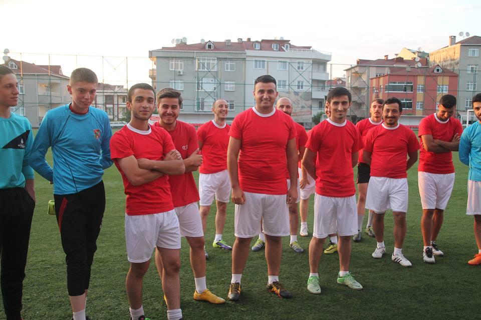 Yeni sezon çalışmaları na başlayan Sarıgazi spor oyuncularının heyecanları gözlerinden okundu.
