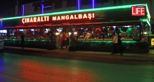 bostanci-kadikoy-istanbul-aksamlari-cinaralti-mangalbasi-restoran-mekanlar-kadikoy-life-dergisi