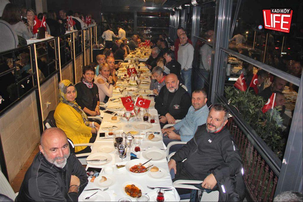 the-bosphorus-kalamis-kadikoy-29-ekim-cumhuriyet-bayrami-kutlama-goldwing-riders-turkiye-motosiklet-grubu-bagdat-caddesi-kadikoy-life-dergisi-4