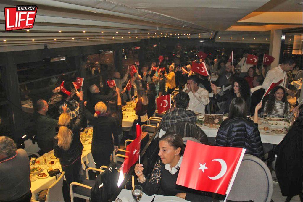 the-bosphorus-kalamis-kadikoy-29-ekim-cumhuriyet-bayrami-kutlama-goldwing-riders-turkiye-motosiklet-grubu-bagdat-caddesi-kadikoy-life-dergisi-7