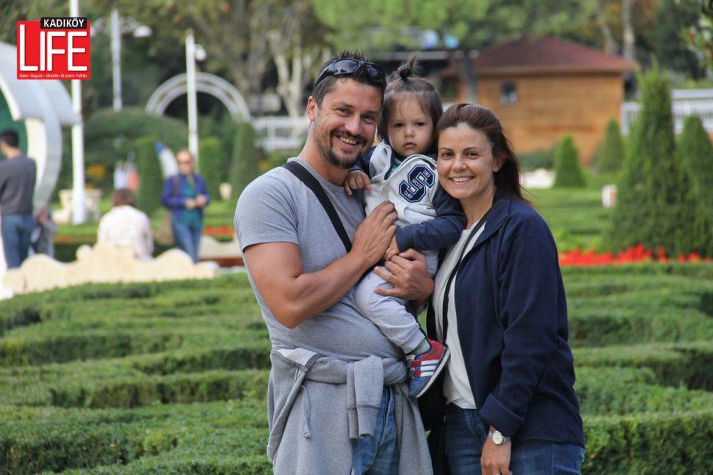 Göztepe'nin güzellikleri için Kağıthane'den Kadıköy'e günübirlik gezmeye gelen ailesi...
