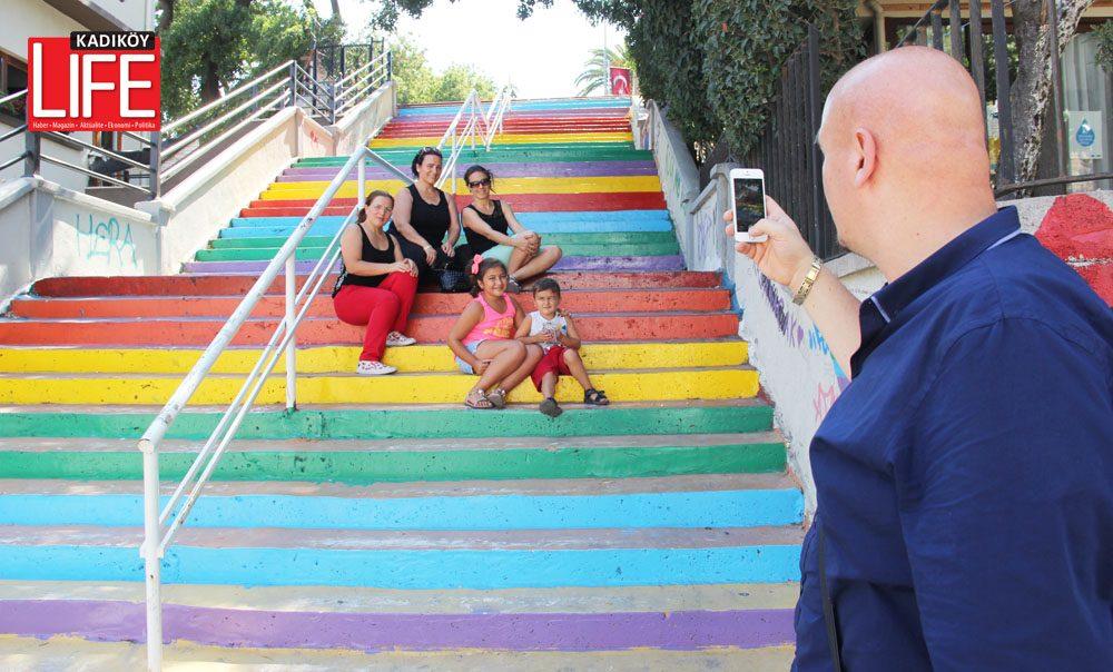 modanin-renkli-merdivenleri-1