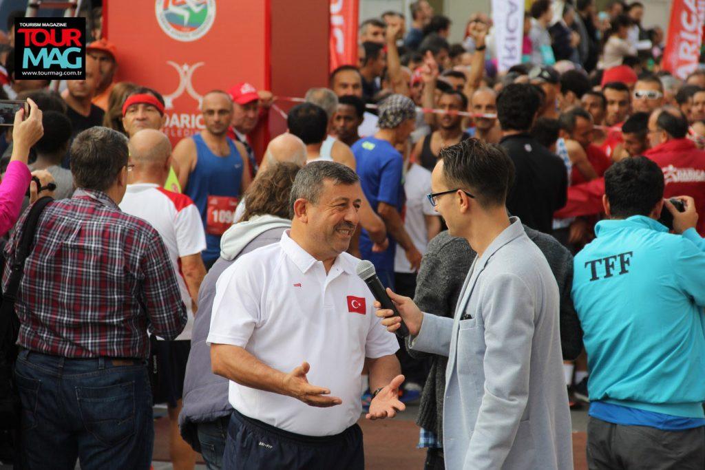 Muhteşem organizasyonun mimari Darıca Belediye Başkanı, gün içerisinde onlarca ulusal ve yerel medya mensubuna röportaj verdi.