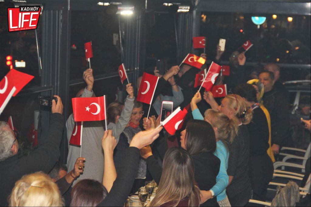 the-bosphorus-kalamis-kadikoy-29-ekim-cumhuriyet-bayrami-kutlama-goldwing-riders-turkiye-motosiklet-grubu-bagdat-caddesi-kadikoy-life-dergisi-9