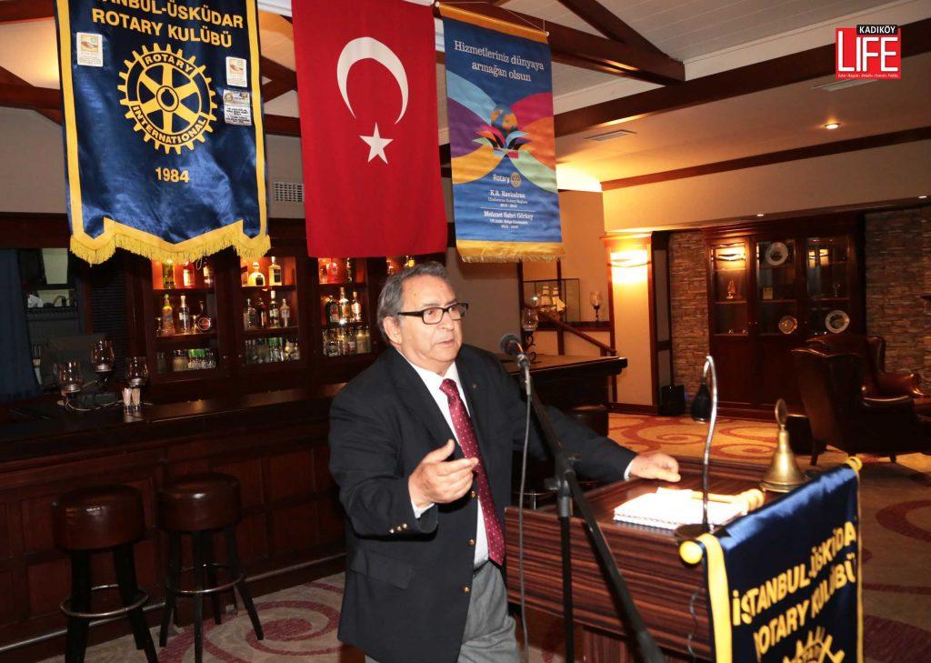 Mete Akyol, ödül gecesinde yaklaşık 1,5 saat süren ve gazetecilik anılarından oluşan bir sunum yapmış ve konuklar tarafıından dakikalarca ayakta alkışlanmıştı....