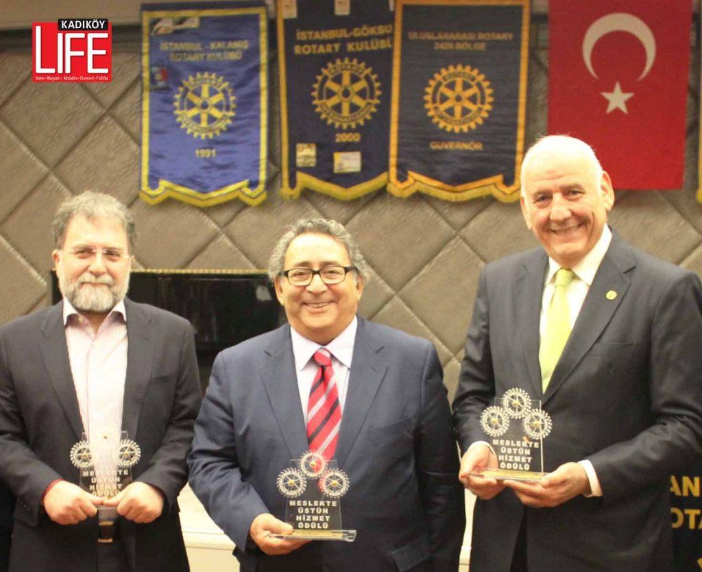 21 Ocak 2016 tarihinde gerçekleşen ödül töreninde Hürriyet Gazetesi Yazarı Ahmet Hakan Coşkun ile Kadköy Life Dergisi'nden Kadir Toprakkaya da Meslekte Üstün Hizmet Ödülü'ne layık görülmüşlerdi...